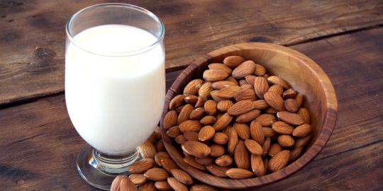 manfaat-susu-almond-bikin-jantung-sehat-dan-fungsi-otak-meningkat