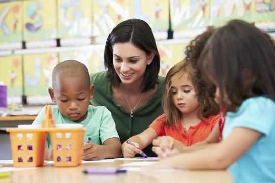kiat-sukses-jadi-guru-yang-menyenangkan-bagi-anak-usia-dini