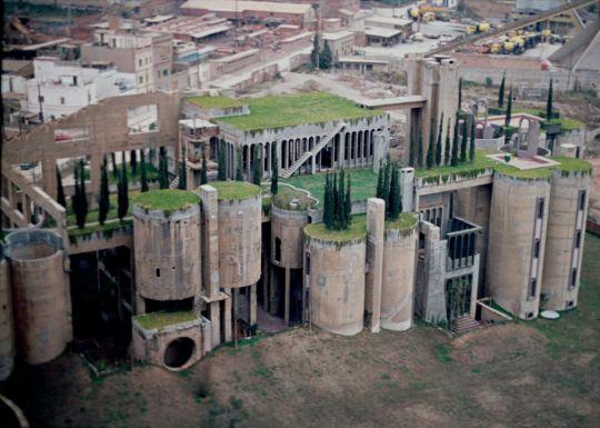 seorang-arsitek-mengubah-pabrik-tua-menjadi-rumah-idaman