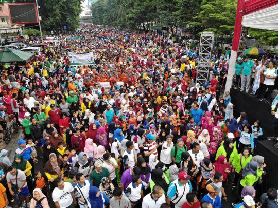 35-ribu-orang-padati-gebyar-pendidikan-dan-kebudayaan-di-kabupaten-pangkajene-dan-kepulauan