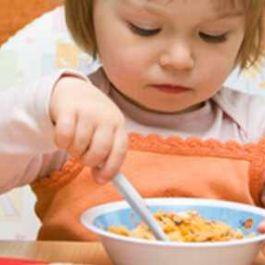 setelah-makan-karbohidrat-cenderung-membuat-ngantuk-dan-protein-membuat-kamu-lebih-waspada