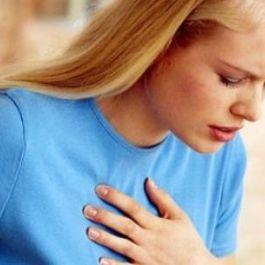 ciri-serangan-jantung-pada-wanita-tampak-seperti-gejala-sakit-maag