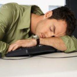 tidur-siang-dan-mandi-bisa-membantu-mengobati-kelelahan-mental-dan-fisik