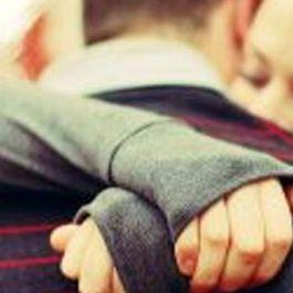 berpelukan-dapat-menghangatkan-dan-melindungi-jantung-serta-efektif-untuk-mengurangi-stres