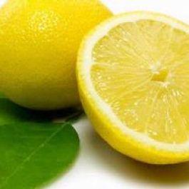 jeruk-lemon-bisa-digunakan-untuk-membersihkan-talenan-kayu-agar-tak-cepat-rusak-dan-punya-bau-yang-harum