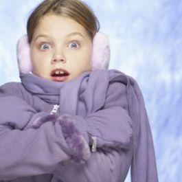 perempuan-kurang-mampu-menahan-dingin-disebabkan-karena-permukaan-kulit-yang-lebih-besar-sehingga-lebih-suka-pada-suhu-yang-hangat