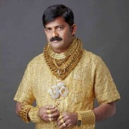 zaman-dulu-kaum-prialah-yang-sebenarnya-pertama-kali-mengenakan-perhiasan-dan-semua-itu-demi-mengukuhkan-status-sosial-mereka