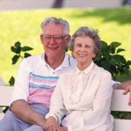 di-amerika-hari-minggu-pertama-setelah-senin-pertama-pada-bulan-september-diperingati-sebagai-hari-nasional-kakek-nenek