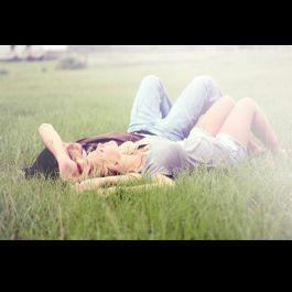 tidur-di-samping-seseorang-yg-anda-cintai-membuat-anda-jatuh-tertidur-lebih-cepat-mengurangi-depresi-dan-membantu-anda-hidup-lebih