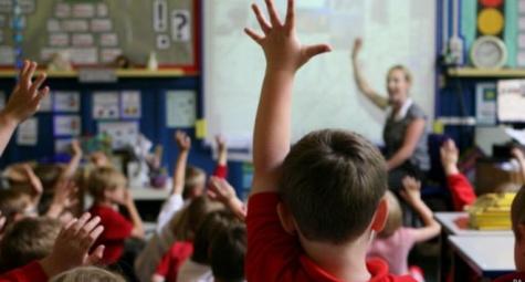 hubungan-orang-tua-dan-guru-dekat-prestasi-anak-pun-meningkat