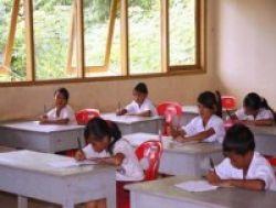 Mendiknas: 2010, Tidak Ada Lagi Sekolah yang Bocor!