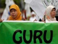 Ratusan Guru Swasta Resahkan Penghapusan Bantuan Sosial