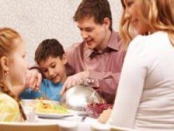 Kompak dan Harmonis Karena Makan Bersama