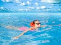 Hindari Risiko Batu Empedu dengan Berenang