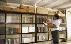 Sekolah Wajib Punya Kepala Perpustakaan Sendiri