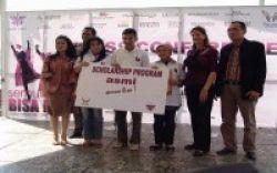 Beasiswa Rp 1 Miliar dari The Village Mall dan Asmi