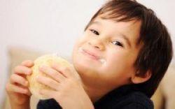 Kiat Hadapi Balita Susah Makan