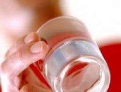 Mengapa Harus Rutin Minum Air Putih?