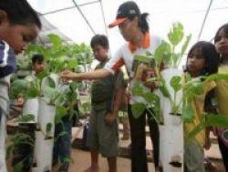 Language Fair di Sekolah Alam Indonesia