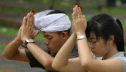 Bali Kekurangan 9.000 Guru Agama Hindu