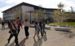 University of Hertfordshire, Belajar di Tepi Taman Hutan