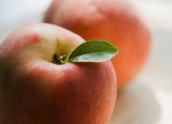 Ogah Terkena Kanker Usus? Makan Apel Saja Tiap Hari