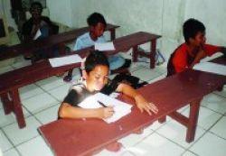Beswan Djarum Latih Anak Jalanan Berwiraswasta