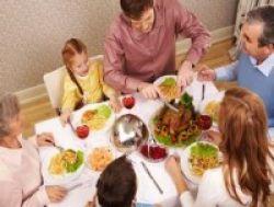 Makan Bersama Turunkan Risiko Anak Terjebak Narkoba