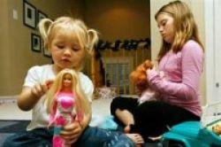Anak 9 Bulan Sesuaikan Mainan
