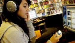 Pemutar Musik Pribadi Menyebabkan Gangguan Pendengaran?