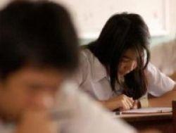 Pengumuman UN 267 Sekolah, 100 Persen Siswa Tak Lulus