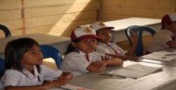 Waduh, Sekolah Ini Kok Tak Ada Gurunya!