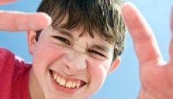 Mengatasi Gerenyet pada Anak Pengidap Sindrom Tourette