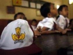 SDN RSBI 12 Rawamangun Pagi: Orangtua Kritis, Anaknya Dilarang Ujian
