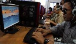 Komputer Khusus untuk Guru Sekolah Anak Cacat