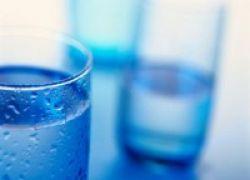 Mau Langsing? Minum Air Putih Sebelum Makan
