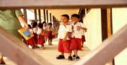 Sarjana Unair Jadi Guru Daerah Terpencil