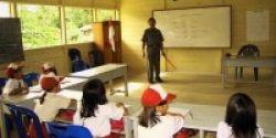 Guru, Kunci Sukses Pendidikan Dasar