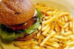 Keranjingan Junk Food Setara Kecanduan Obat