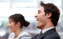 Tularkan Bahagia, Tertawalah dengan Lebar