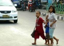 Beginilah Cara Anak Jalanan Mengenyam Bangku Sekolah