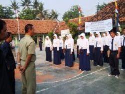 4.567 Siswa Rawan Putus Sekolah Dapat Beasiswa