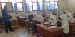 Persiapan UN Sekolah Gandeng Bimbel
