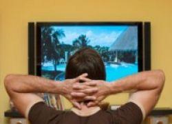 Dua Jam Non-Stop Nonton TV Tingkatkan Risiko Penyakit Jantung, Lo