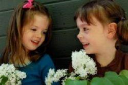 2 Anak Perempuan Jaminan Keluarga Bahagia