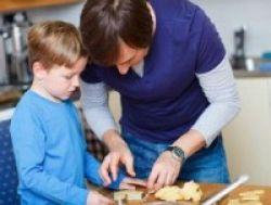 Bangun Kebiasaan Baik Anak dari Rumah