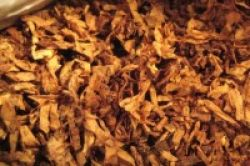 Tembakau Ampuh Atasi Sengatan Lebah