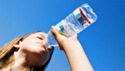 Banyak Minum Air Putih Berbahaya bagi Kesehatan