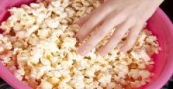 Ngemil Popcorn Menyehatkan