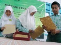 Kertas Kotoran Kuda SMA Muhammadiyah Juara ASEAN